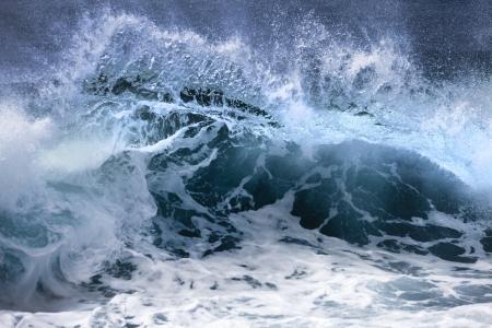 olas de mar: Las olas del oc�ano Foto de archivo