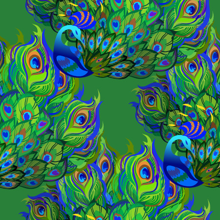 plumas de pavo real: Hermoso de fondo sin fisuras patrón de pavo real. Pájaros del pavo real con la cola completamente avivado y fondo verde.