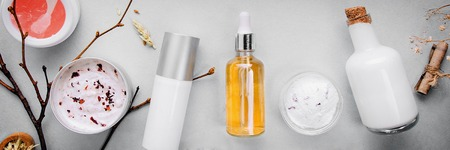 Bio cosmética orgánica con ingredientes a base de hierbas. Extracto natural de ámbar, oro. Sérum de aceites .Hecho a mano