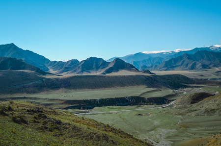 Mountain landscapes of the Chui tract, Altai. Valley Chuya. Banco de Imagens