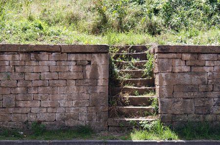 Steinmauer mit einer Treppe