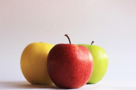 pomme jaune: pomme rouge, vert pomme, pomme jaune