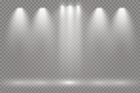 De schijnwerpers schijnen op het podium. licht exclusief gebruik lensflitslichteffect. licht van een lamp of schijnwerper. verlichte scène. podium in de schijnwerpers.