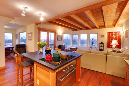 Luxe huis met keuken en woonkamer