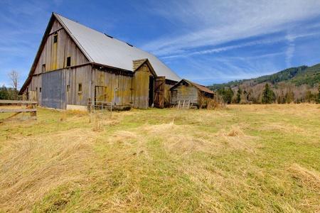 Build in 1907 old barn in Ashford, near Mt.Ranier, Washington State Archivio Fotografico