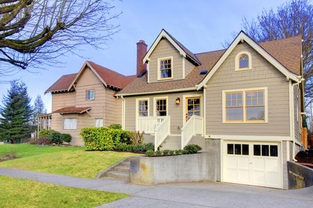 artesano: Bellamente restaurado, antigua casa de estilo artesano en Tacoma, WA. EE.UU.