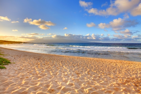 hawaii sunset: Golden sand beach on the tropical island  Hawaii