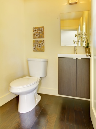Small new modern yellow bathroom. Stock Photo - 13122459