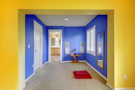 meditaion: blue and yellow home meditation area between bathroom and bedroom.