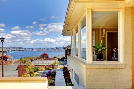 seattle: Moderno exterior de la casa y las impresionantes vistas de Seattle.