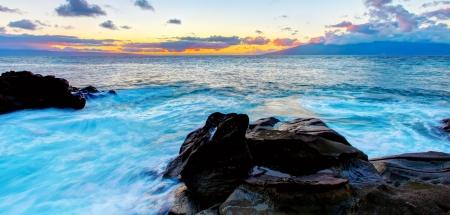 maui: Island Maui tropical cliff coast line with ocean. Hawaii.