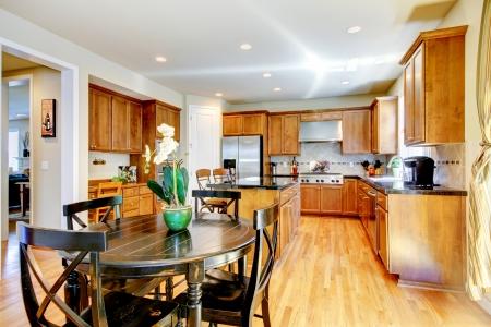 Wood classic large kitchen with granite island. Stock Photo - 17749896