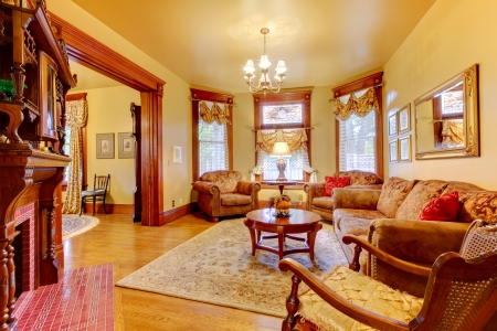 american house: Historical old antique living room interior in American house. Stock Photo
