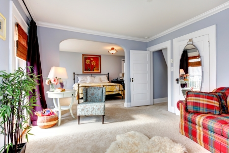 seperated: Cozy family room seperated from bedroom by archway