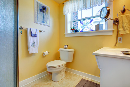 Awesome Salle De Bain Jaune Et Blanc Gallery - Awesome Interior Home ...