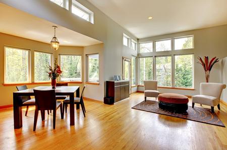 #28393618   Fantastische Moderne Wohnzimmer Wohnlandschaft Esszimmer  Riesige Grüne Helle Zimmer Mit Modernen Möbeln