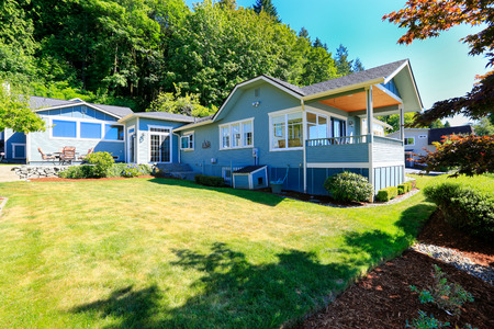 curb appeal: Big extended house in Port Orchard town, WA