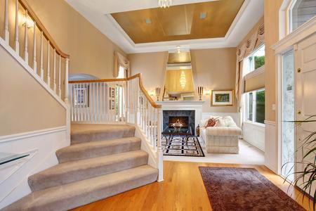 decor: Perfect luxurious living room with elegant decor.