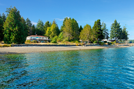 gig harbor: Waterfront guest house in Northwest with water and fall beach.