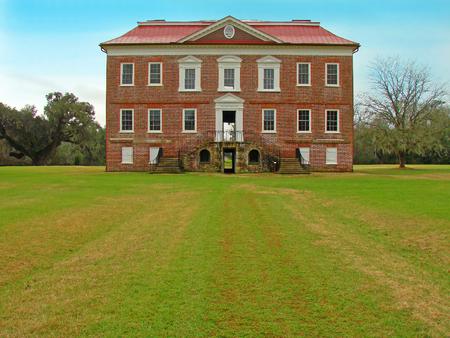 u s a: Drayton Hall, historic plantation from 1738, Charleston, South Carolina