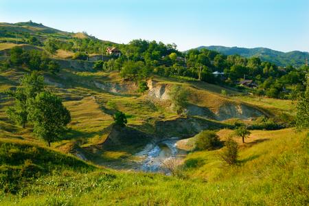 paisaje rural: Intensos y sorprendente paisaje de campo rumano
