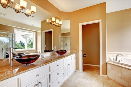 Master bathroom foto royalty free, immagini, immagini e archivi ...