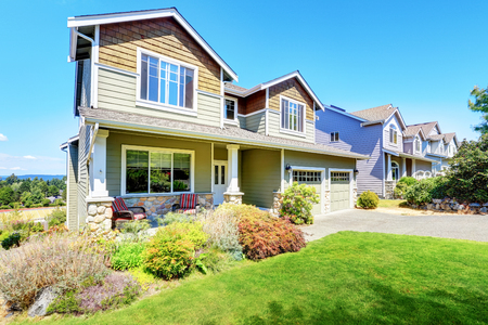 curb appeal: Curb appeal of luxury family house with nice landscape. Northwest, USA
