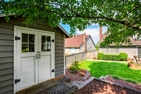 northwest: Well kept garden at backyard with barn shed. Northwest, USA