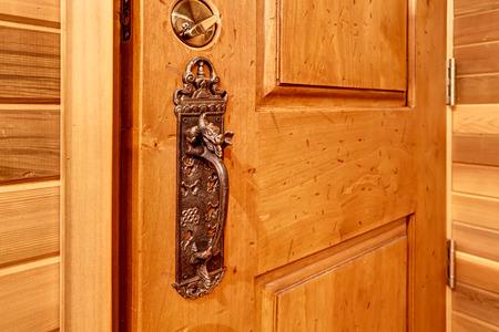 puertas de madera: cerradura de la puerta Viejo clave antiguo saber detalles. Noroeste, EE.UU.