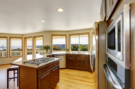 many windows: Modern kitchen room interior with many windows and perfect view. Northwest, USA Stock Photo