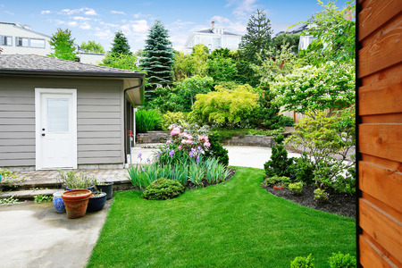 back yard: Nice back yard landscape desing with well kept lawn. Separate garage at the backyard. Northwest, USA