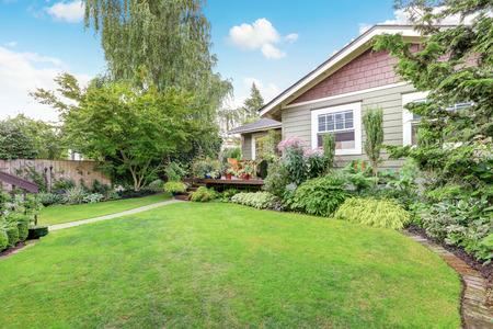 northwest: Backyard area with nicely trimmed garden. Northwest, USA Stock Photo