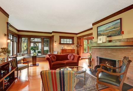 classic living room: American classic living room interior design with antique furniture. Northwest, USA