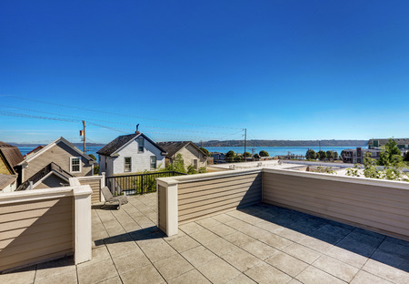 Roof terrace exterior of luxury modern house in Tacoma. Northwest, USA Stock Photo