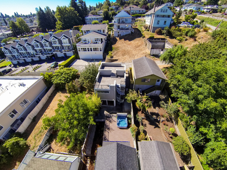 tacoma: Panoramic view of residential area in Tacoma. Image of Roof terrace and walkout deck with hot tub. Northwest, USA