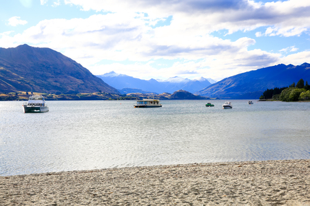 south island new zealand: Lake Wanaka landscape, Otago region, South Island, New Zealand
