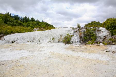 secluded: Golden Fleece, Thermal area Orakei Korako in New Zealand.