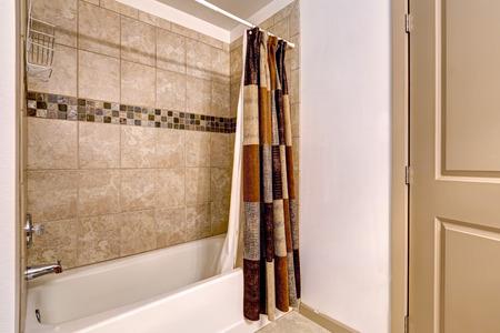 Bagno Beige E Marrone : Piastrelle bagno marrone bagno con la in piastrelle marrone e le