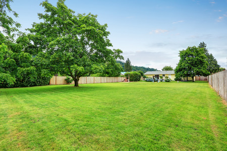 areas: Large spacious backyard area, filled with green grass. Northwest, USA