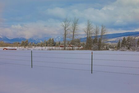 Winter American small town covered in snow in the mountains close to Seattle. Banque d'images - 143006815