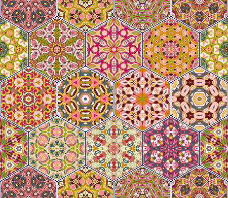 ビンテージ飾り六角形タイルの明るいシームレス パターン。カラフルなベクトルの壁紙、布や包装紙のデザインの要素のセットです。