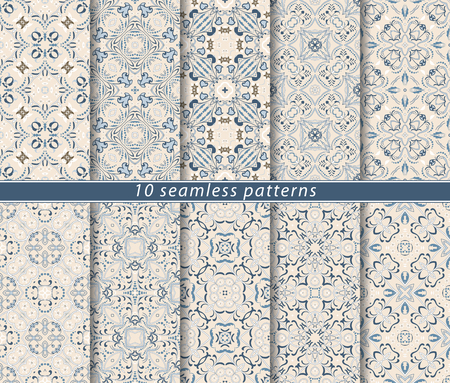 Seamless pattern in Arabic style. Ornaments of arabesques and ornate lines. Persian motifs for printing on fabric, paper or scrapbooking. Ilustração
