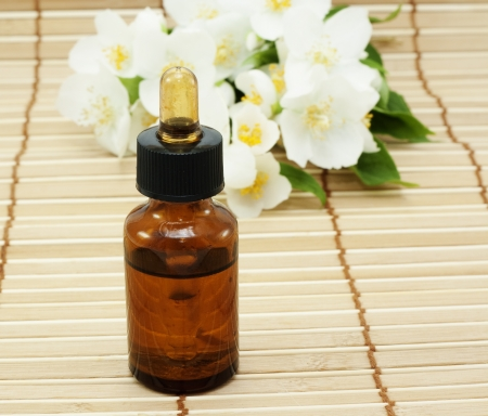 Jasmine oil (essence or concentrate).