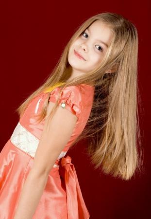 カメラに笑顔の少女の肖像画 写真素材 - 17275899