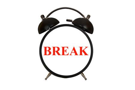 cansancio: Tiempo de descanso, romper palabra sobre la cara del reloj de alarma aislado en blanco