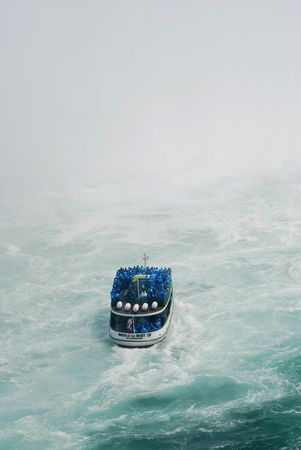 boat at Niagara Falls Фото со стока