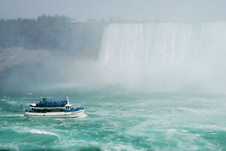boating at Niagara falls