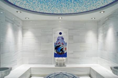 Intérieur du hammam national de bain turc