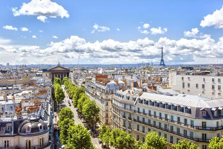 トロンシェ通り、教会の聖マリア教会、エッフェル タワーへのパリ, フランス - 2015 年 5 月 20 日: ビュー 写真素材 - 57461483