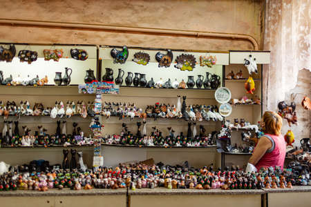 Shoppers at a souvenir shop with local black clay products in the Rostov Kremlin 報道画像